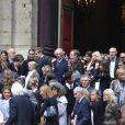 La sortie des obsèques de Bruno Cremer, en l'église Saint-Thomas d'Aquin, dans le VIIe arrondissement de Paris, le 13 août 2010.