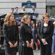 La famille Cremer - Chantal, Constance, Marie-Clémentine - à la sortie des obsèques de Bruno Cremer, en l'église Saint-Thomas d'Aquin, dans le VIIe arrondissement de Paris, le 13 août 2010.