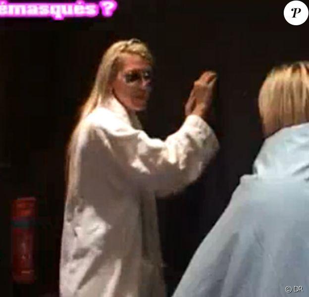 Amélie parle à Stéphanie de la proposition de secret qu'elle est sur le point de buzzer : elle concerne Senna, Coralie et Stéphanie elle-même... Amélie a vu juste !