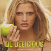 Lara Stone vous invite à croquer le fruit défendu...