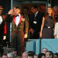 Rania de Jordanie, le roi Abdallah II et leur fille Iman le 19 août 2010 en Ecosse lors d'une cérémonie militaire.