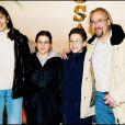 Laurent Fignon est décédé mardi 31 août 2010, des suites du cancer qu'il affrontait avec opinâtreté. Son fils Jérémy (photo : en 2000 avec son ex-épouse et leurs enfants) s'est confié au micro de Marc-Olivier Fogiel.