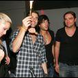 John, Shine et Robin célèbrent et trinquent à leur notoriété éphémère (27 août 2010 au Six Seven de Paris)