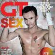 Jon Lee (S Club 7) révèle son homosexualité dans les pages du magazine britannique  Gay Times .