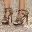 Sarah Jessica Parker et ses formidables chaussures au défilé Burberry à Londres le 21/09/10