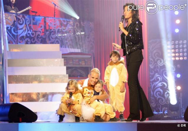 Elodie gossuin ses jumeaux la rejoignent sur sc ne une belle surprise - Elodie gossuin et ses enfants ...