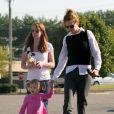 Nicole Kidman faisant des courses à Nashville avec son mari Keith Urban et sa fille Sunday Rose, le 3 octobre 2010