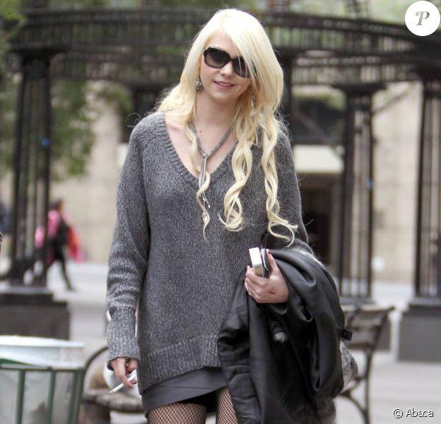 Taylor Momsen sur le tournage de Gossip Girl à New York, le 18 octobre 2010