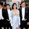 La sublime Adriana Lima présente son soutien-gorge à 2 millions de dollars à la boutique Victoria's Secret du quartier de SoHo à New York, le 20 octobre 2010.