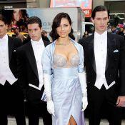 Adriana Lima vous présente sa poitrine à 2 millions de dollars...