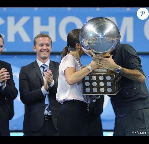 Dimanche 24 octobre 2010, Roger Federer a remporté le 64e titre de sa carrière, à Stockholm. Son trophée lui a été remis par la princesse Victoria de Suède.