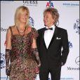 Rod Stewart et sa femme Penny Lancaster, au bal annuel Carousel of Hope, à Beverly Hills, le 23 octobre 2010