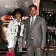 Denzel Washington et sa femme, à l'occasion de l'avant-première de  Unstoppable , au Regency Village Theatre de Westwood, à Los Angeles, le 26 octobre 2010.