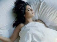 Cheryl Cole vous invite dans son lit... pour son nouveau clip !