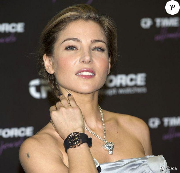 Els aPataky pose pour le lancement de la nouvelle collection de la marque de bijoux et montres Time Force à Madrid le 2 décembre 2010