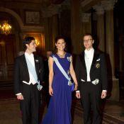Victoria de Suède, avec son frère et son époux, resplendissante pour les Nobel !