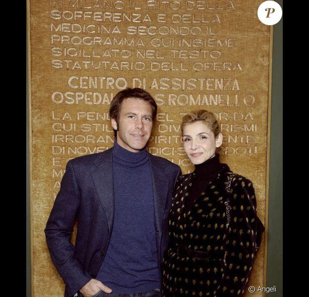 Clotilde Courau et Emmanuel Philibert de Savoie visitant l'hôpital de San Raffaele à Milan le 1er décembre 2010
