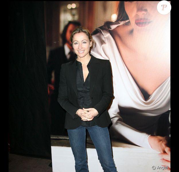 Anne-Sophie Lapix à l'avant-première du film The Tourist, le 13 décembre 2010, à Paris.