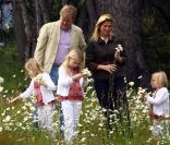 Willem-Alexander et Maxima des Pays-Bas posent avec leurs fillettes