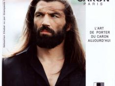PHOTOS : les parfums Caron saisissent Chabal au bond !