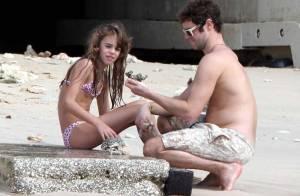 Take That : Howard Donald et sa fille à la recherche du plus beau coquillage...