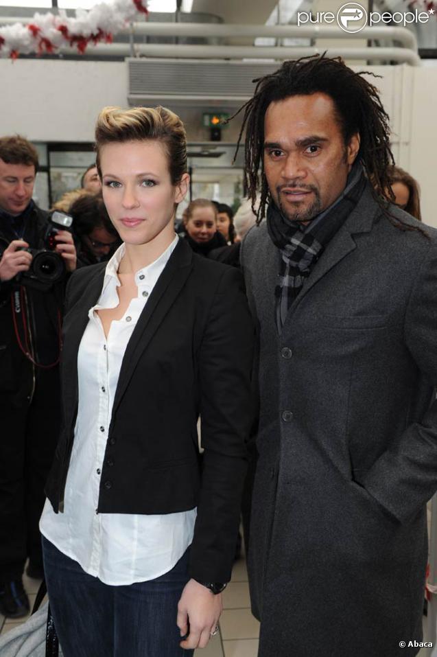Lorie et Christian Karembeu au lancement de la 22e opération Pièces Jaunes, le 5 janvier 2010.