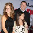 John Travolta, Kelly Preston et leur fille Ella Bleu en novembre 2009