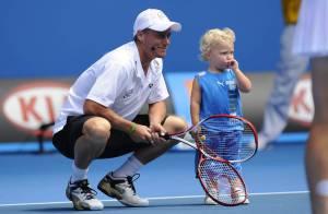 Le cadeau de Lleyton Hewitt à ses fans : son fils de 2 ans, Cruz, sur le court !