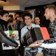 M. Pokora et Alex Goude s'affrontent sur Call of Duty, First strike, au magasin Game Saint-Lazare, le 2 février 2011