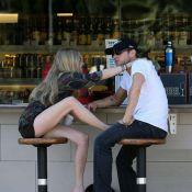 La belle Amanda Seyfried exhibe ses gambettes pour son chéri... Ryan Phillippe !