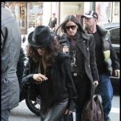 Demi Moore et Salma Hayek : Les deux copines dévalisent les boutiques de Paris !