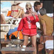 Ivana Trump : Courtement vêtue à 62 ans, elle se dévoile sous le soleil !