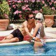 Amanda Lear et son ex-époux Alain Philippe Malagnac en 1991 dans leur maison en Provence