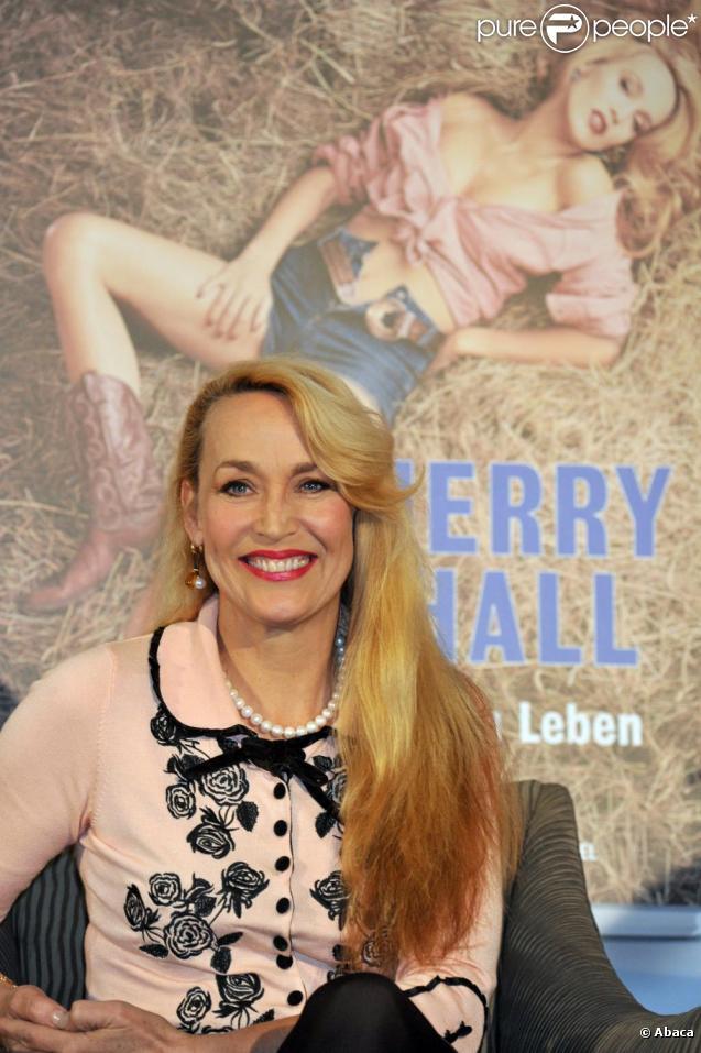 Le top model Jerry Hall présente sa biographie Jerry Hall : My Life in Pictures à l'Hôtel Bayerischer Hof à Munich en Allemagne le 3 mars 2011