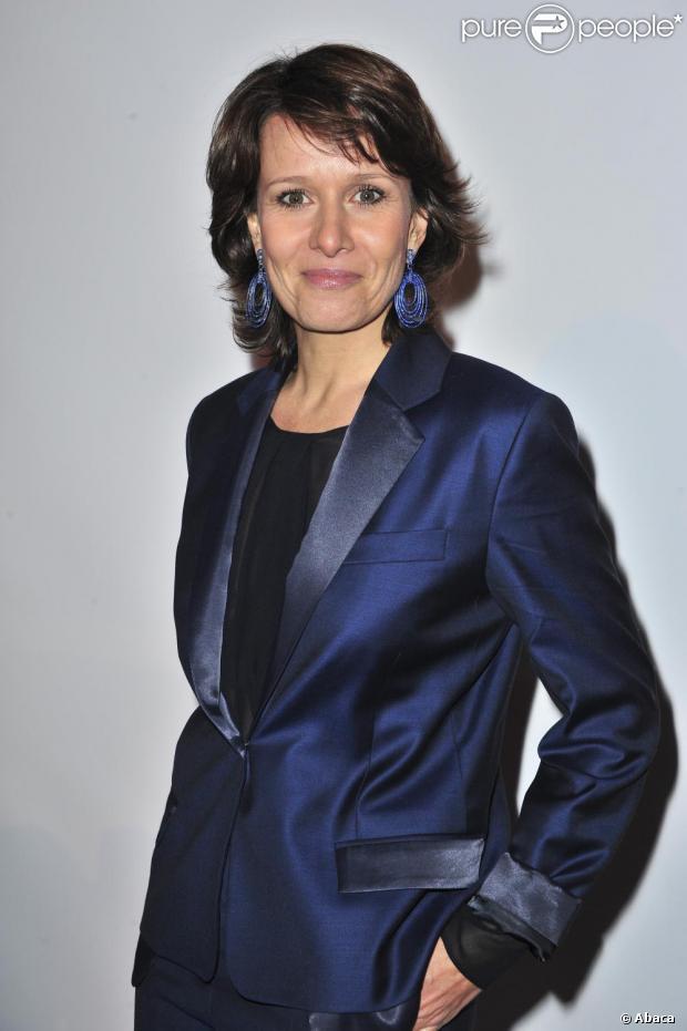 Carole Rousseau fait fantasmer les fétichistes des pieds !