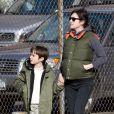 Jennifer Connelly, enceinte, va chercher son fils Stellan à l'école le 4 mars 2011 à New York