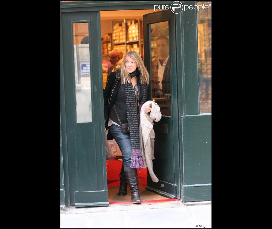 site réputé 33d20 6e80c Elaine, la mère de Blake, sort de la boutique Louboutin ...