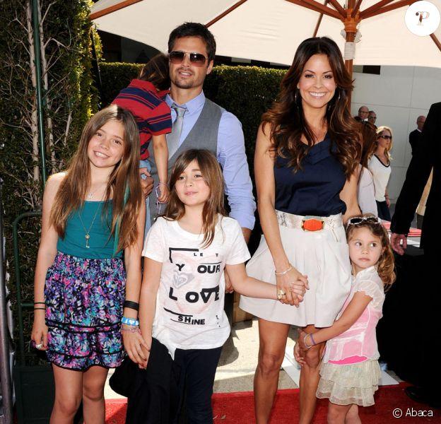 David Charvet et Brooke Burke en famille lors du gala de charité organisé par le designer John Varvatos à Los Angeles le 13 mars 2011
