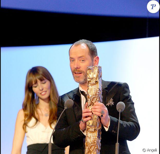 Olivier Raoux reçoit le César des Meilleurs Décors pour La Môme, le 22 février 2008
