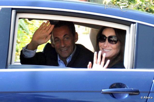 Carla et Nicolas Sarkozy arrivent au Cap-Nègre en juillet 2009