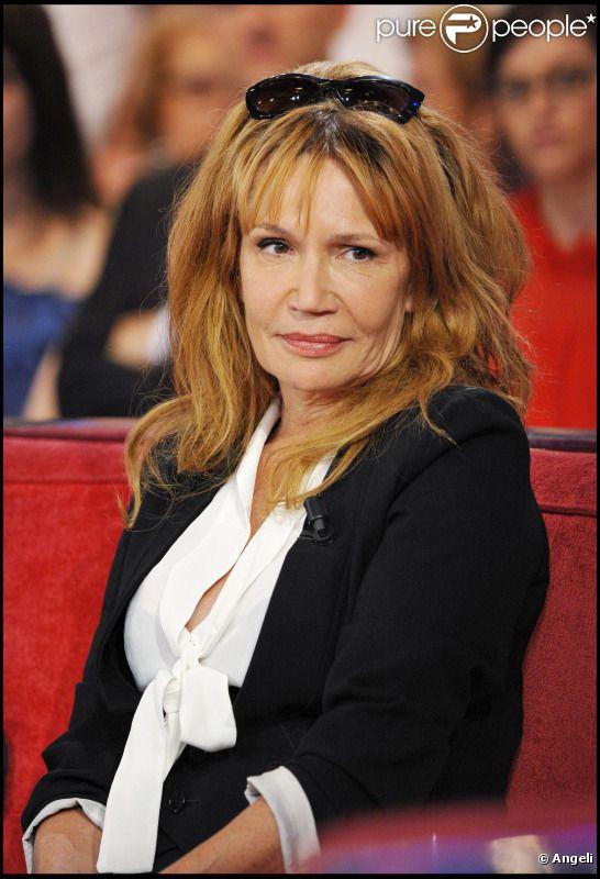 Clémentine Célarié chez Vivement Dimanche le 20 avril 2011