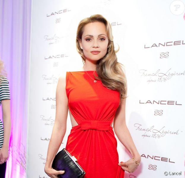 La radieuse égérie Lancel, Béatrice Rosen, a fait sensation lors de la soiée Lancel à Moscou