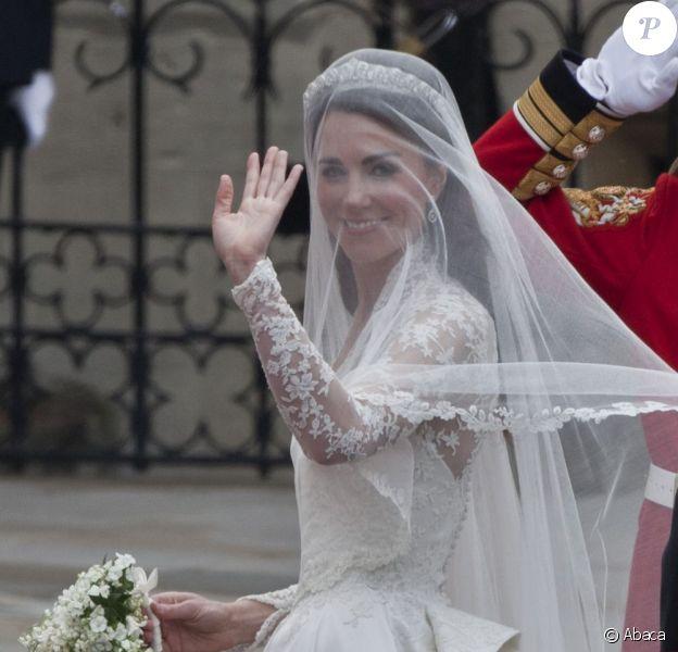 La robe de Kate Middleton est ornée de dentelle de Caudry. Londres, 29 avril 2011