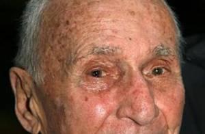Arthur Laurents, metteur en scène de La Cage aux Folles, est décédé...
