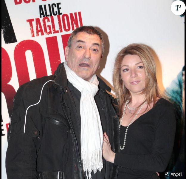 Jean-Marie Bigard et sa compagne Lola Marois, lors de l'avant-première du film La Proie, en avril 2011 à Paris.