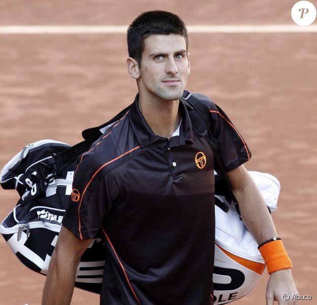Novak Djokovic est entré confiant dans l'arène madrilène hier 8 mai. Et il a battu Nadal pour la première fois sur terre battue ! Est-ce la tête du futur numéro 1 mondial !