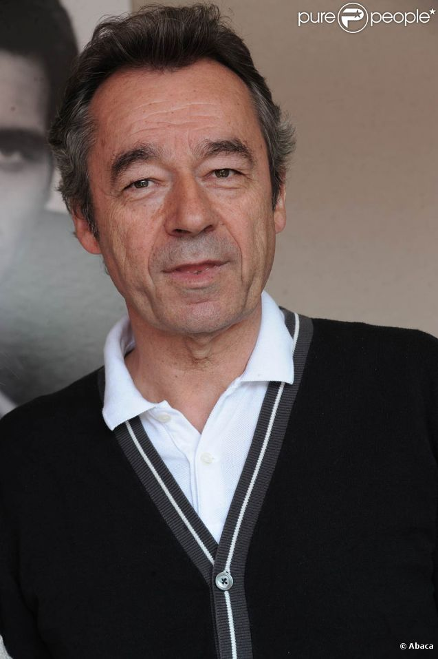 michel denisot pr sentateur du grand journal de canal cannes le 10 mai 2011. Black Bedroom Furniture Sets. Home Design Ideas