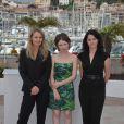 Rachel Blake, Emily Browning et Julia Leigh lors du photocall de Sleeping Beauty au festival de Cannes le jeudi 12 mai 2011