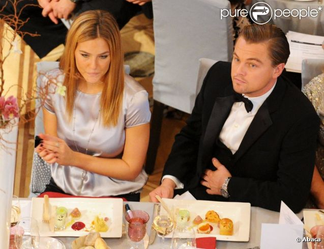 Leonardo Dicaprio Et Bar Refaeli Après 5 Ans Damour Le Couple Se