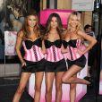 Adriana Lima, Lily Aldridge et Candice Swanapoel posent pour la nouvelle collection de lingerie de chez Victoria's Secret à Los Angeles en septembre 2010
